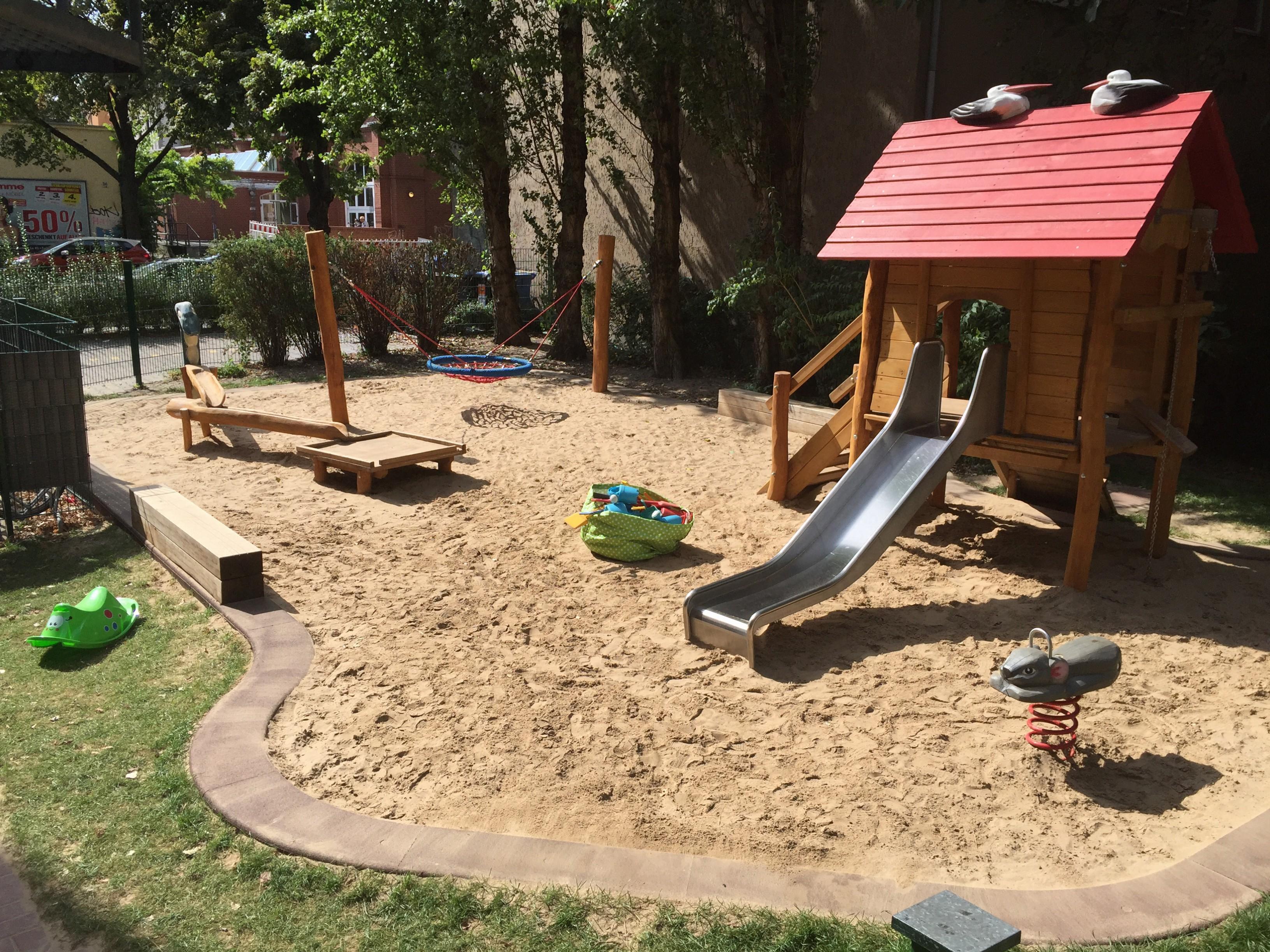 Auch die Harten komm' in Garten! - Mitten in der Stadt und dennoch ein eigener privater Spielplatz! In diesen haben sich nicht nur unsere Kinder verliebt!